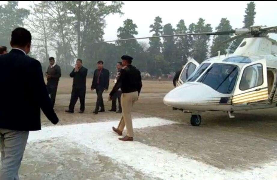 देहरादून में मुख्यमंत्री रावत के हैलिकॉप्टर को उड़ने से रोका गया
