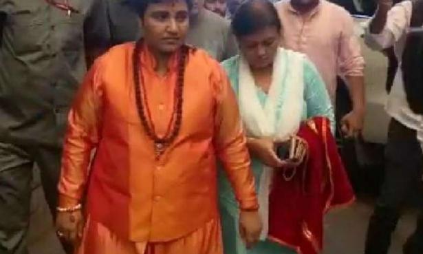 भाजपा में शामिल हुईं साध्वी प्रज्ञा ठाकुर ,बोलीं चुनाव लड़ूंगी और जीतूंगी भी