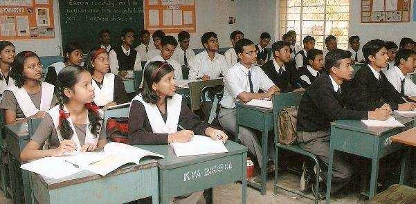 कोरोना | पहले इन क्लास के बच्चों के लिए खुलेंगे स्कूल ! जानिए क्या है सरकार का प्लान ?