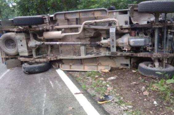 उत्तराखंड   अनियंत्रित होकर पलटा मैक्स वाहन, 28 लोग घायल, 5 गंभीर