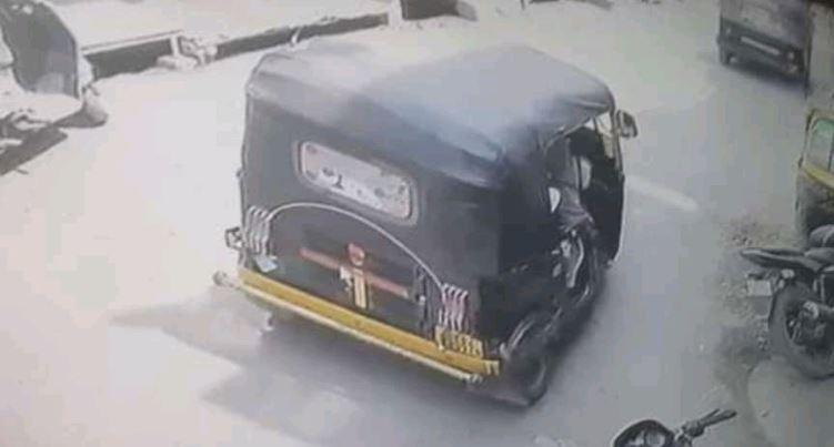 शर्मनाक | हल्द्वानी में ऑटो चालक ने की ऐसी हरकत, छात्रा ने चलते ऑटो से लगा दी छलांग