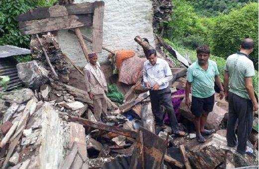 उत्तराखंड  | तेज बारिश बनी मुसीबत, मकान गिरने से विवाहिता की मौत, 3 घायल