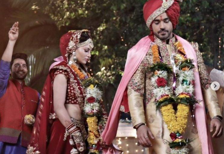 उर्वशी रौतेला बनीं गौतम गुलाटी की दुल्हनियां ! गौतम बोले – 'शादी मुबारक नहीं बोलोगे'
