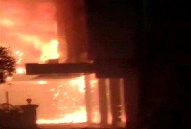 बड़ा हादसा | कोविड केयर सेंटर बनाए गए होटल में लगी भीषण आग, 10 लोगों की मौत