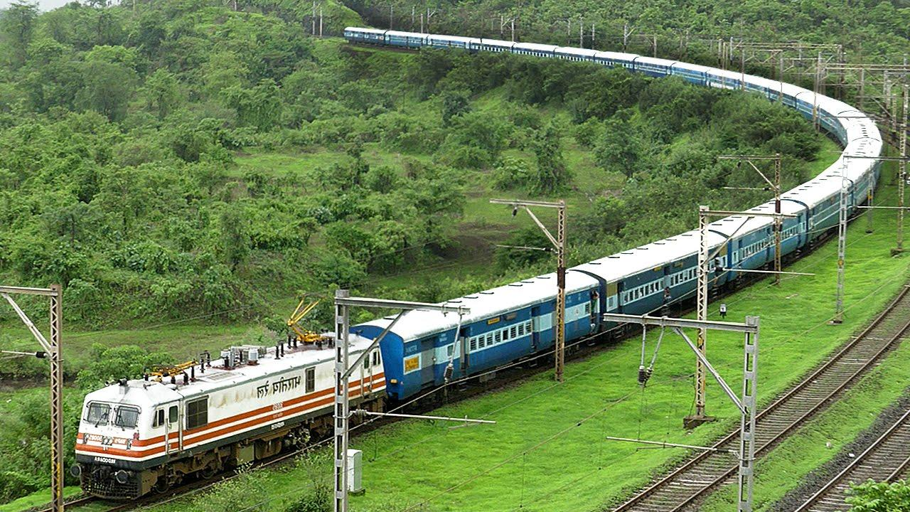 12 अगस्त तक सभी ट्रेनें रद्द, रेलवे टिकट बुकिंग पर भी लगी रोक, सिर्फ स्पेशल ट्रेन ही चलेंगी
