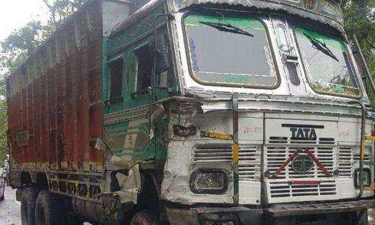 उत्तराखंड | ट्रक और वाहन की जोरदार टक्कर, एक की मौत