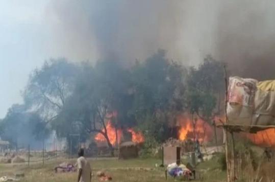 हरिद्वार कुंभ मेंशाही स्नान के दौरानलगी भीषण आग,मची अफरा-तफरी