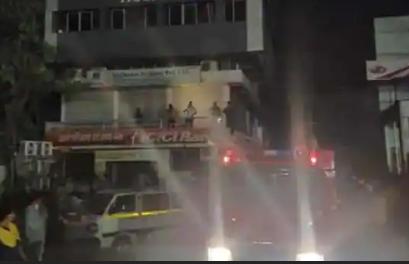 कोविड-19 अस्पताल में लगी भीषण आग, 4 लोगों की मौत