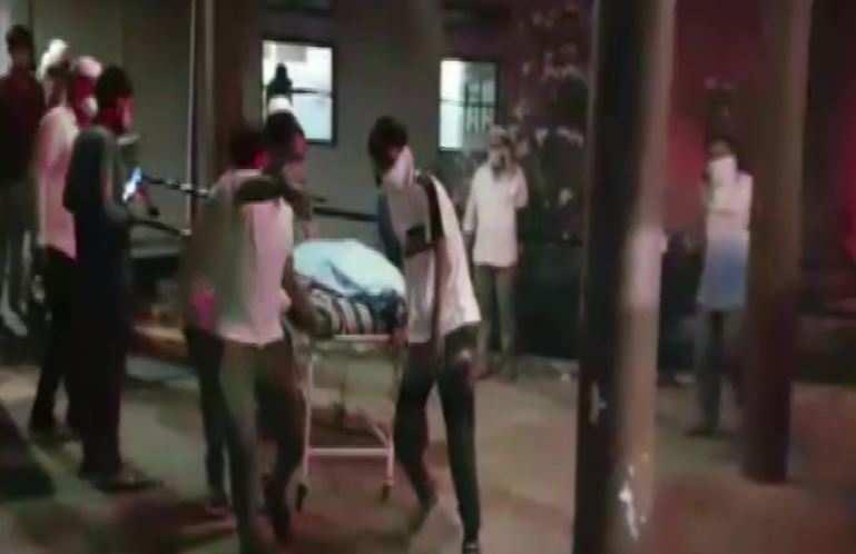 दर्दनाक हादसा | कोविड अस्पताल में लगी आग, 14 मरीजों और दो नर्सों की मौत