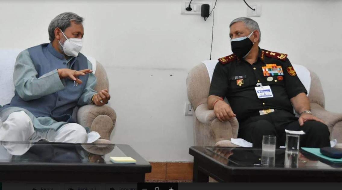 देहरादून में मुख्यमंत्री तीरथ से मिले CDS जनरल बिपिन रावत
