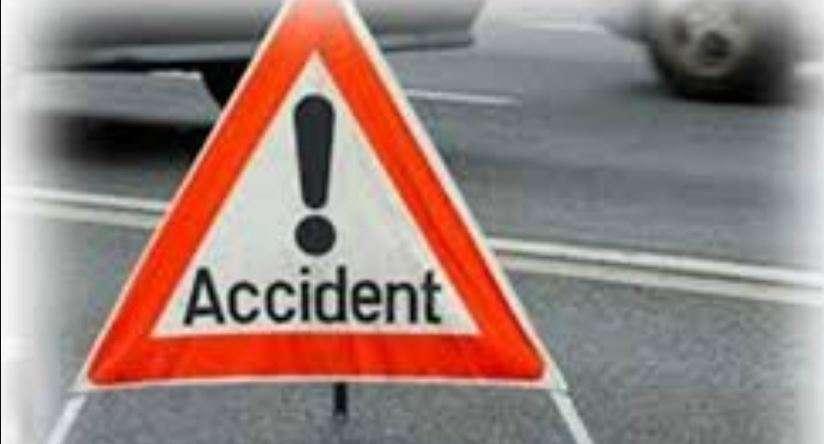 उत्तराखंड |स्कूटी सवार दंपती को कार ने मारी टक्कर,पत्नीकी मौत, पति गंभीरघायल