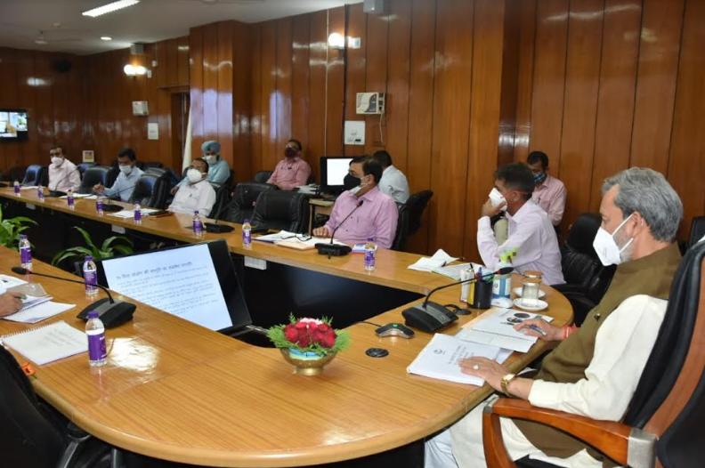 स्थानीय निकायों में स्वच्छता प्रबंधन और जल प्रबंधन पर विशेष ध्यान दिया जाए:मुख्यमंत्री