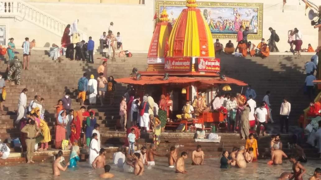 हरिद्वार कुंभ   अंतिम शाही स्नान आज,श्रद्धालुओं नेहरकी पैड़ी पर लगाई डुबकी
