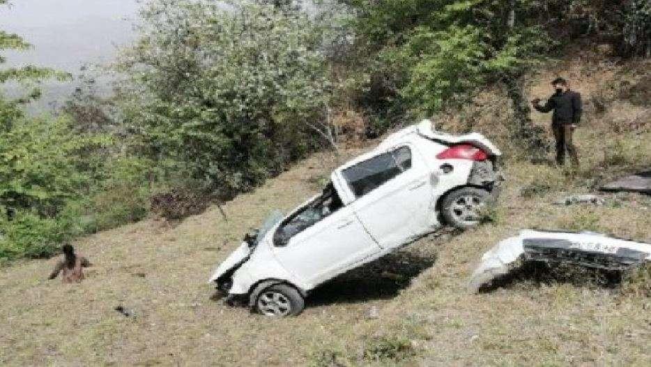 उत्तराखंड | हादसे का शिकार हुई कार,2 लोगों की मौत, 5घायल