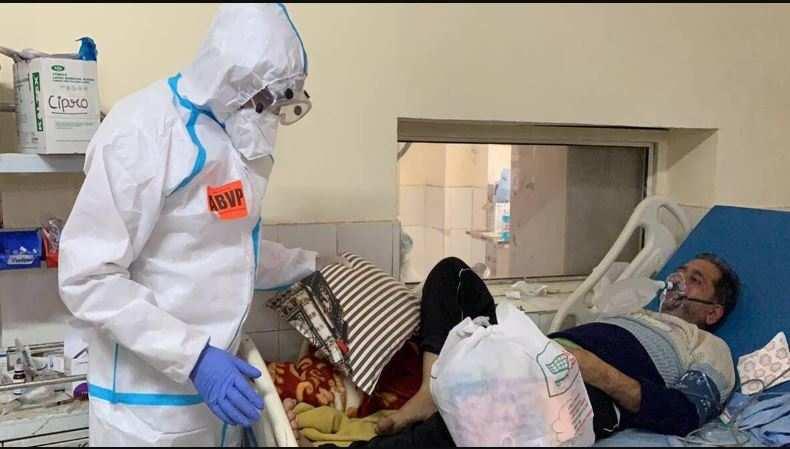 उत्तराखंड | अस्पताल केकोविड वार्ड में दिखे ABVP कार्यकर्ता, जूस पिलाने का वीडियो वायरल