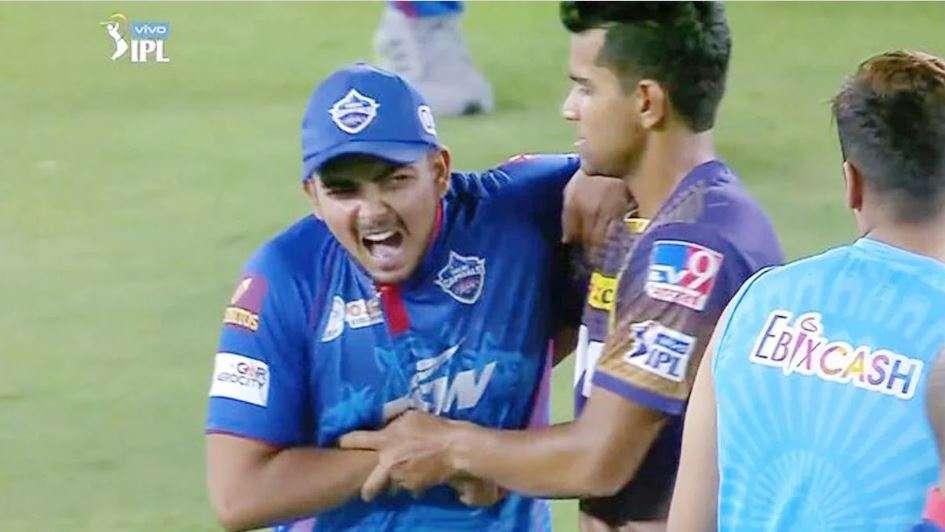 पृथ्वी शॉ नेएक ओवर में लगाए 6 चौके, मैच के बाद मावी नेदबाया गला, वीडियो वायरल